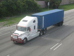 1280px-Intermodal_Transport_by_Truck