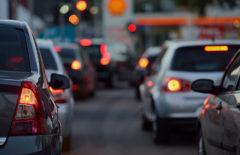 ¿Cómo afecta la congestión del tráfico al transporte de mercancía?