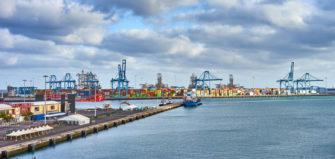 puertos comerciales
